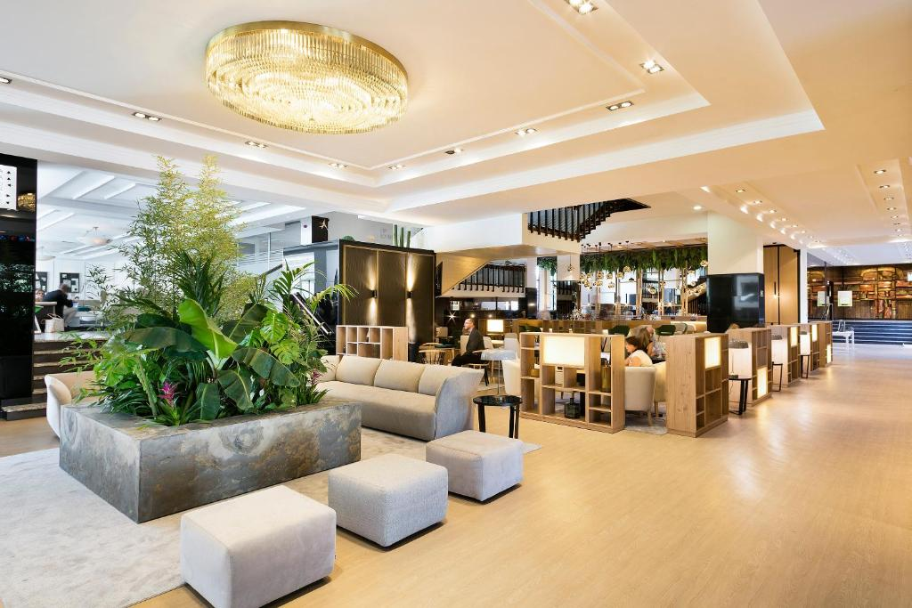 Melia Barajas Madrid Book Your Hotel With Viamichelin