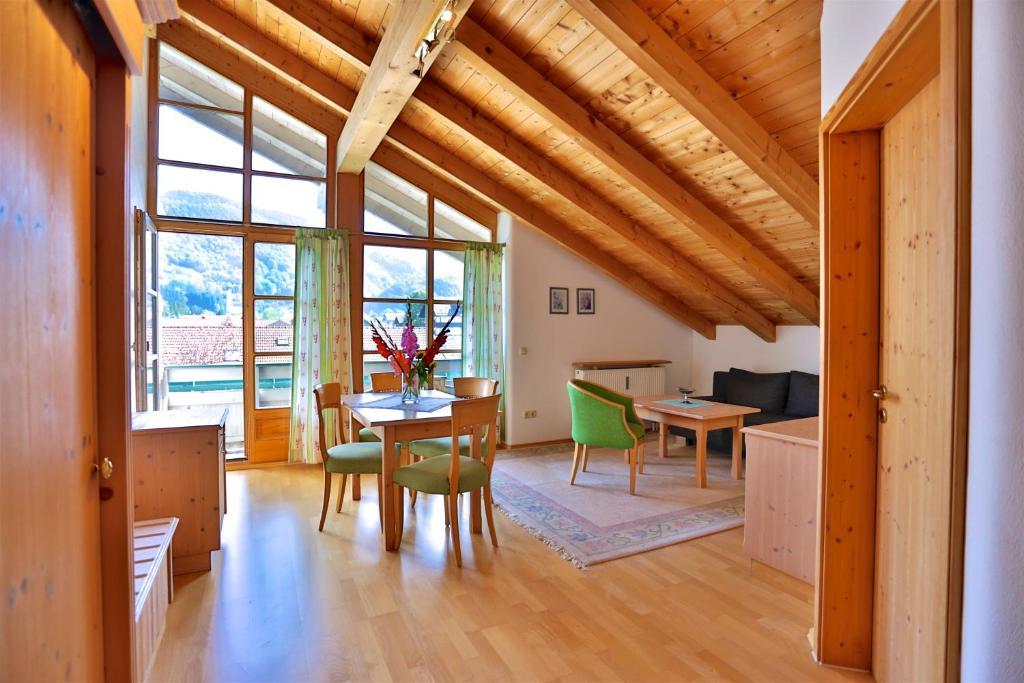 hotel salzburger hof siegsdorf informationen und. Black Bedroom Furniture Sets. Home Design Ideas