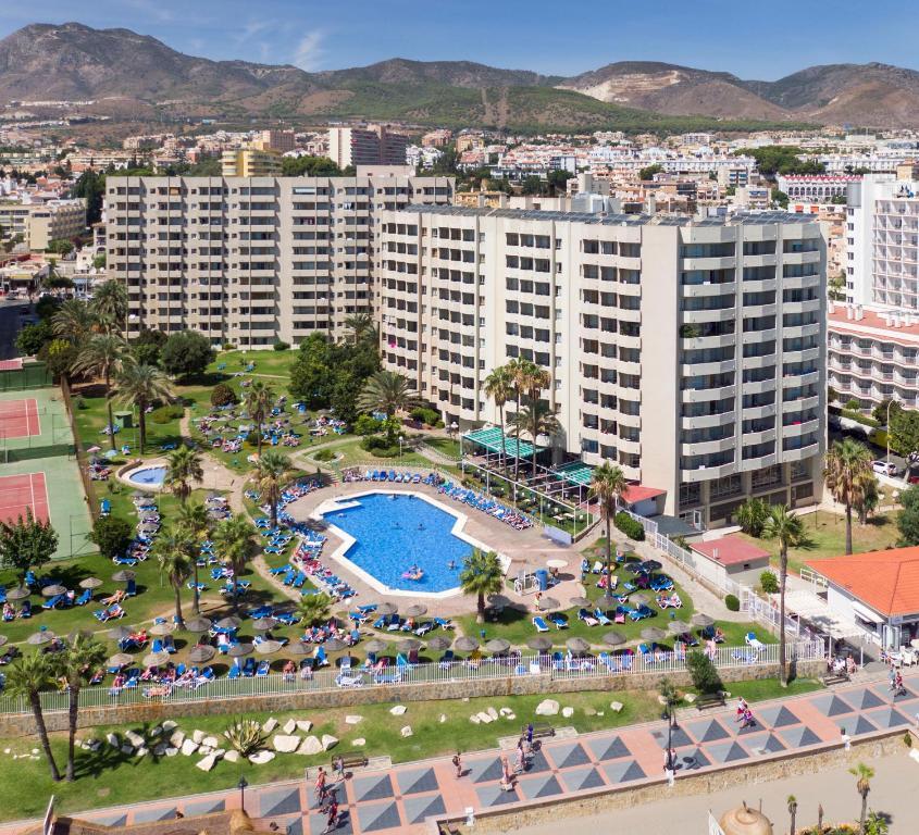 Sol timor apartamentos torremolinos book your hotel with viamichelin - Apartamentos buensol torremolinos ...
