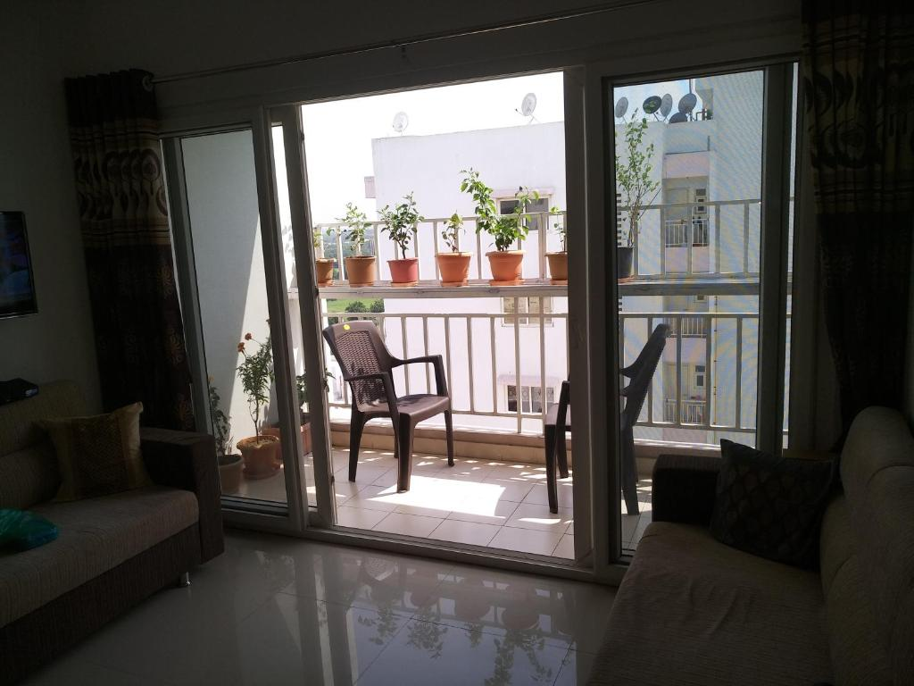 Entire 3 bhk cosy apartment breath taking views for 3 bhk flat interior designs