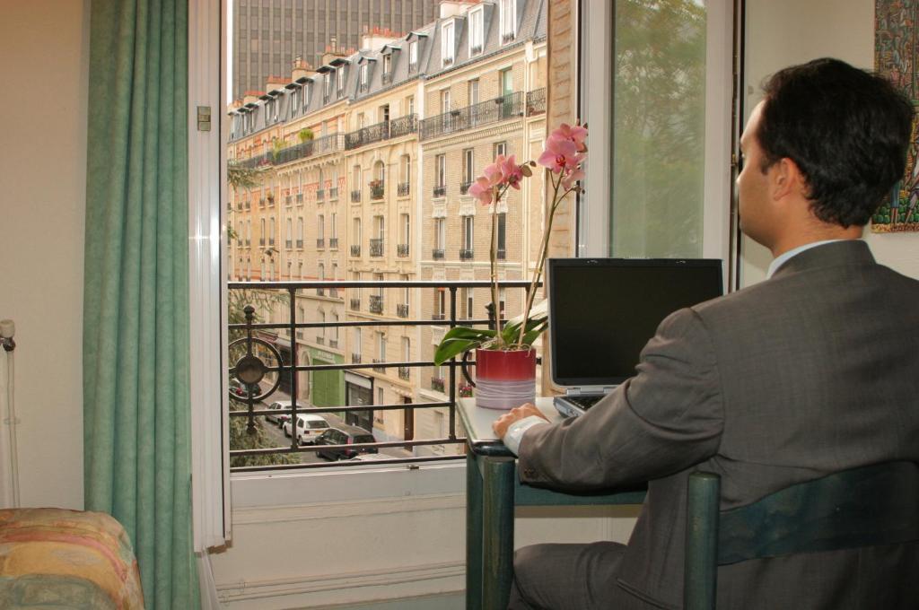 Hotel Printania  Rue Olivier De Serres  Paris