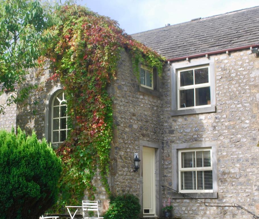 Warren house settle book your hotel with viamichelin for The warren house