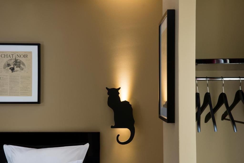 Hotel Le Chat Noir Paris Informationen Und Buchungen
