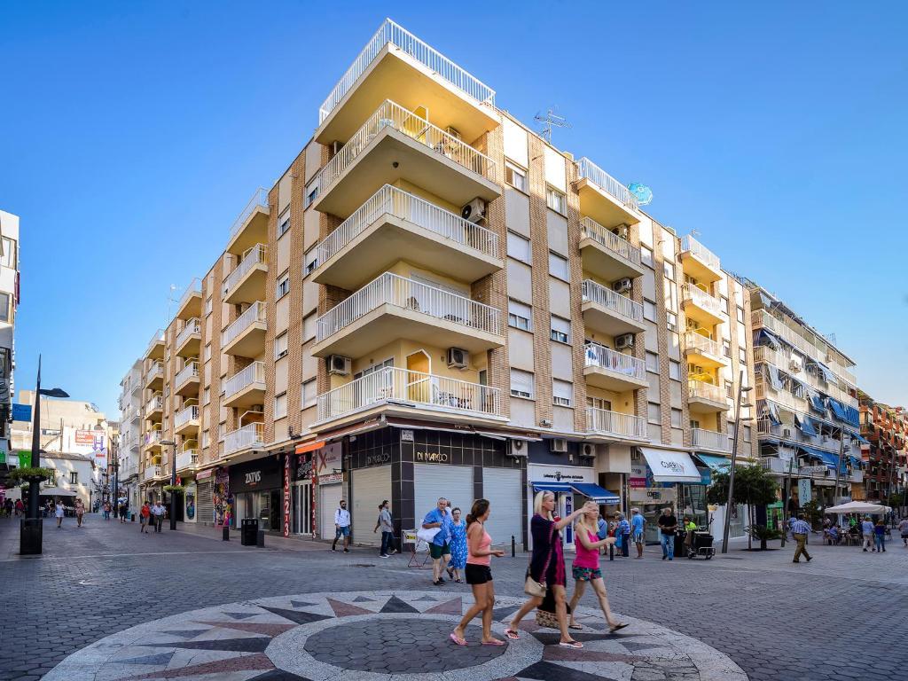 Apartamentos avenida benidorm book your hotel with viamichelin - Apartamentos avenida ...