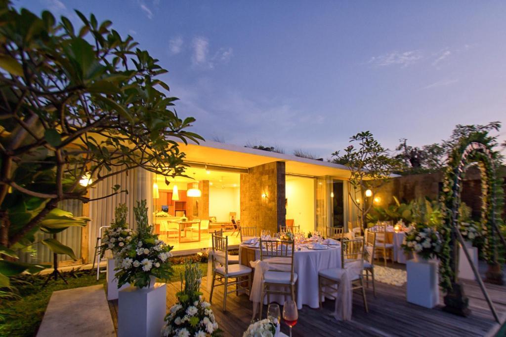 hideaway villas bali kuta book your hotel with viamichelin. Black Bedroom Furniture Sets. Home Design Ideas