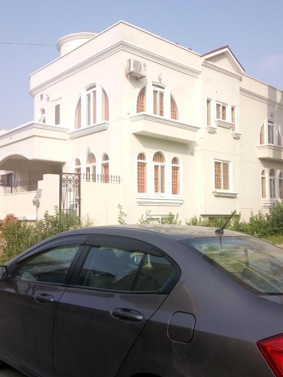 Royal Galaxy Guest House Islamabad