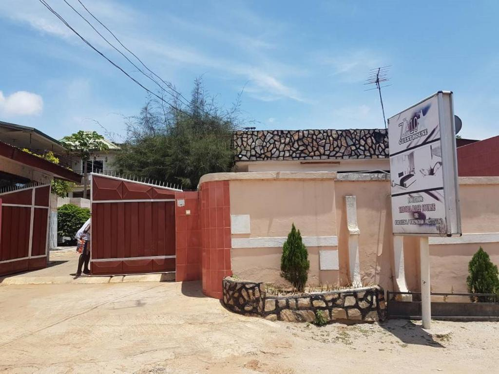 7&10 Star Guesthouse