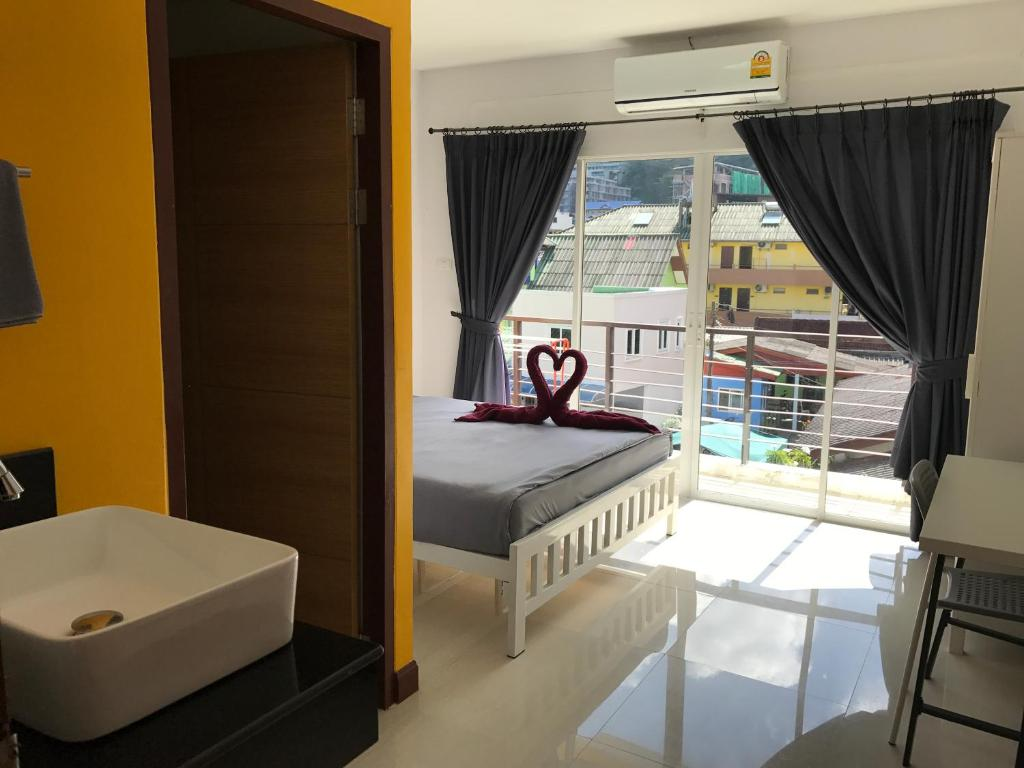 Bedbox Guesthouse and Hostel