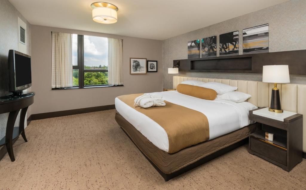The saratoga hilton saratoga springs book your hotel for Luxury hotels in saratoga springs ny