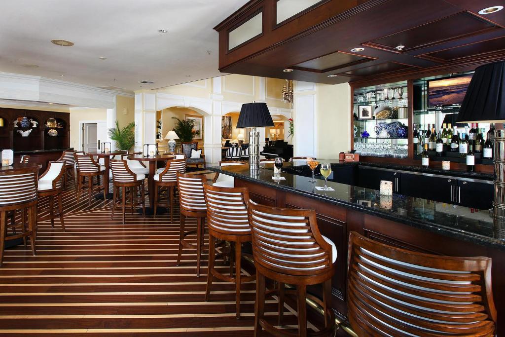 Restaurants Naples Fl Vanderbilt Beach Road