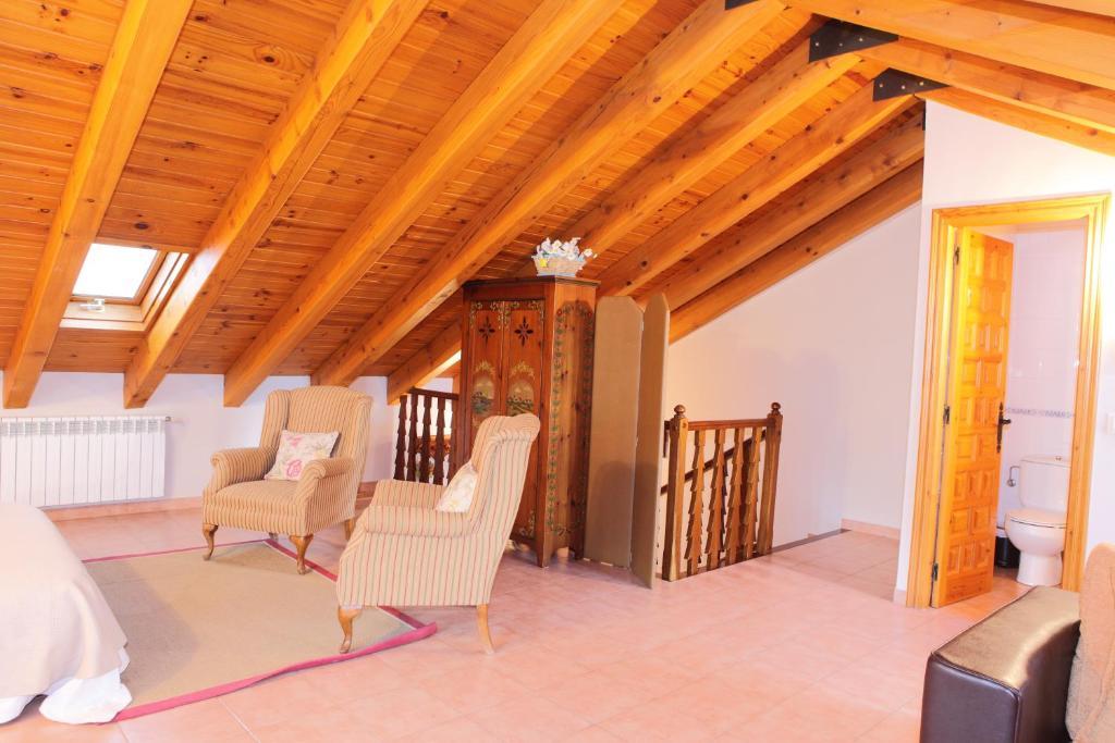 Apartamentos alb casa alquesera benasque book your hotel with viamichelin - Hotel casa chuldian ...