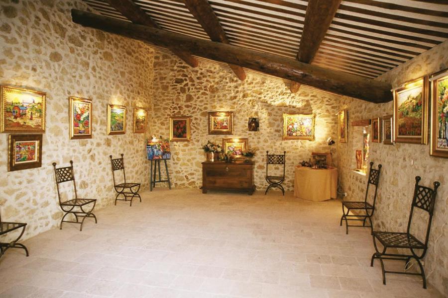 Chambres d 39 h tes la maison du peintre en provence - Chambre hote salon de provence ...