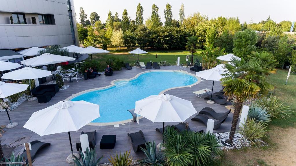 Amati 39 design hotel zola predosa reserva tu hotel con - Zola predosa piscina ...