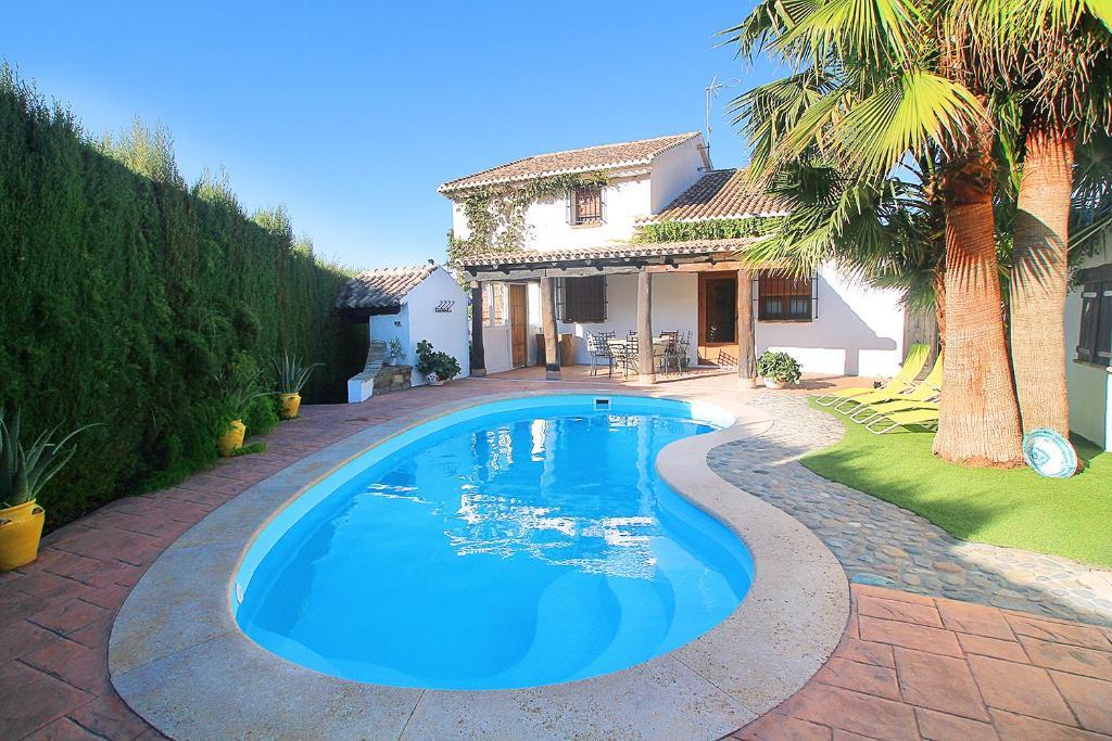 f843626804c4f Casa de vacaciones Encantadora casa con piscina privada y chimenea ...