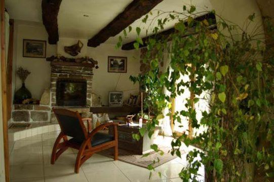 Chambres d 39 h tes auberge issiates chambres d 39 h tes joncels for Auberge du haut jardin