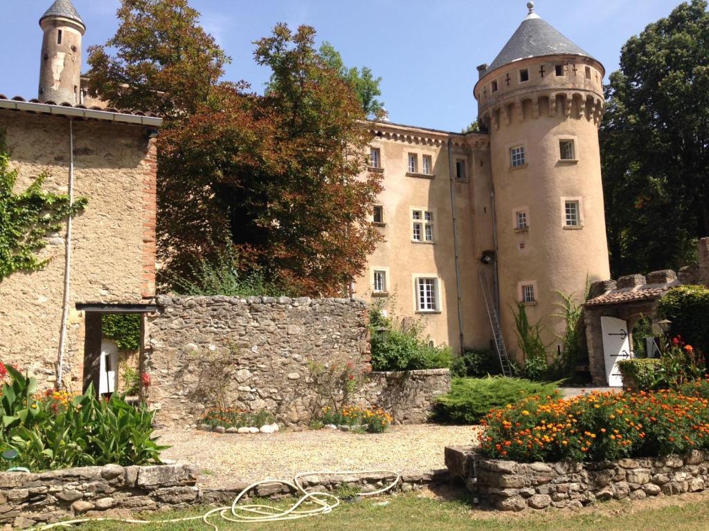 chateau du rey le vigan reserva tu hotel con viamichelin. Black Bedroom Furniture Sets. Home Design Ideas