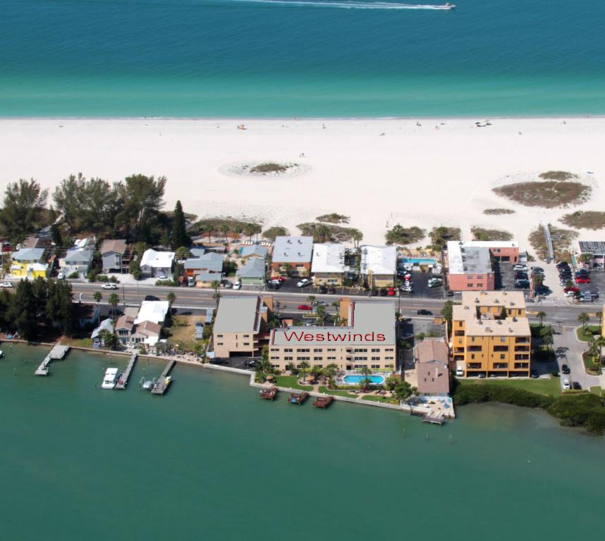 West Winds Apartments: Apartment Westwinds Waterfront, St. Pete Beach, FL