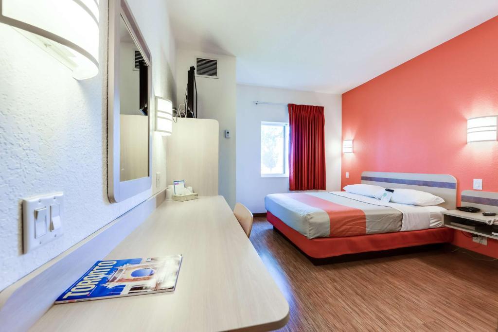 motel 6 toronto mississauga brampton informationen. Black Bedroom Furniture Sets. Home Design Ideas