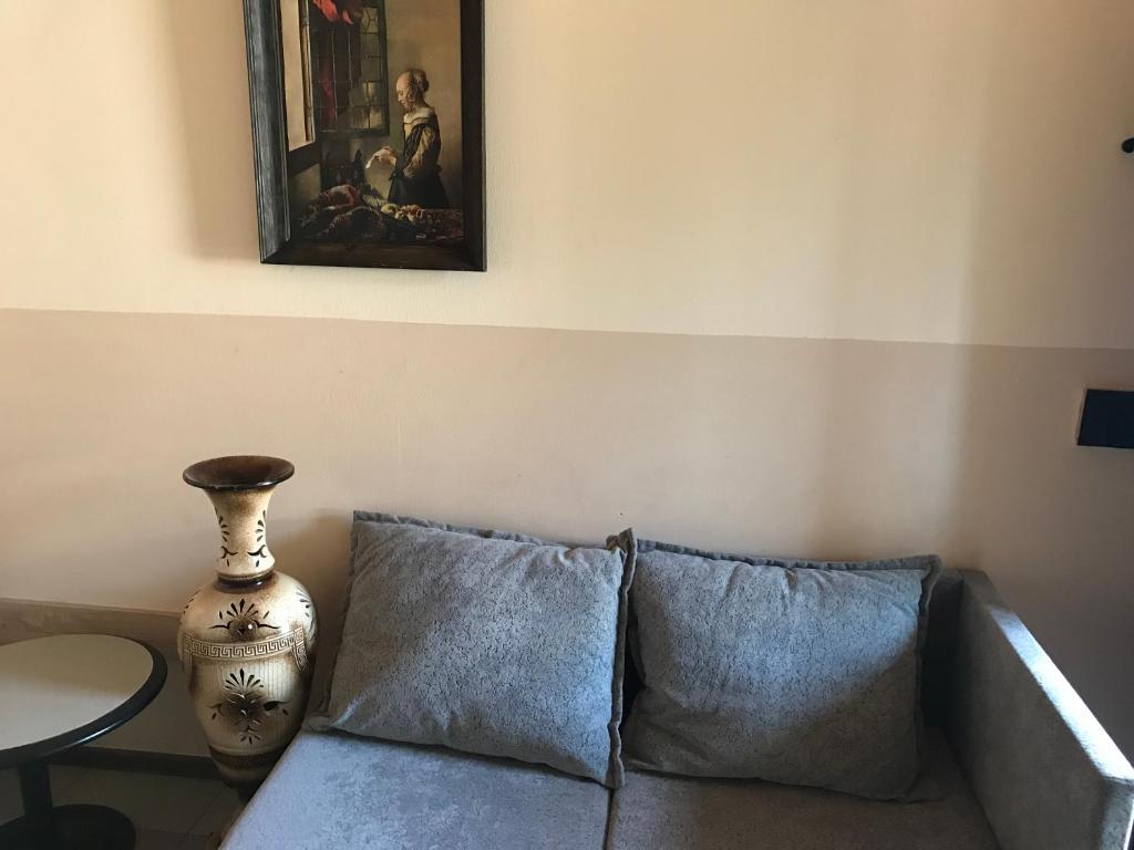 Aya apart hotel tbilisi r servation gratuite sur viamichelin for Canape tbilisi