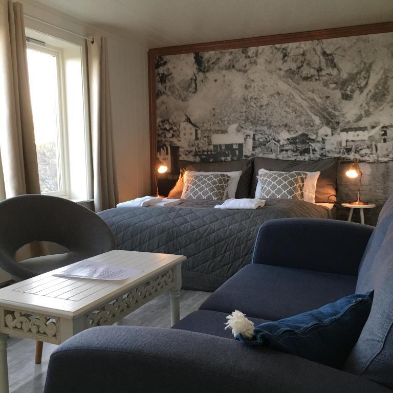 Lofoten Bed Amp Breakfast Reine Rooms Amp Apartments