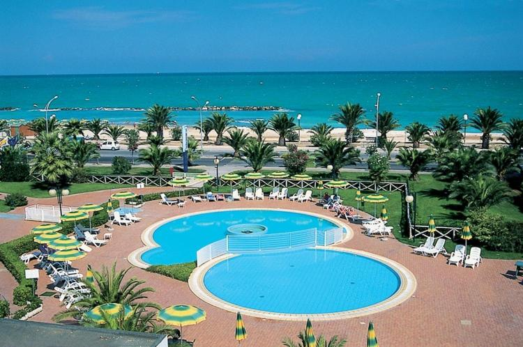 IHR Residence Hotel Le Terrazze, Appart\'hotels Grottammare