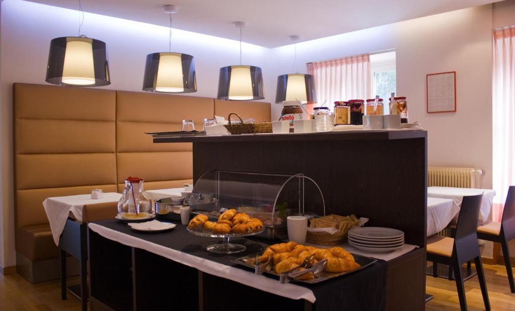 Hotel Tritone Booking