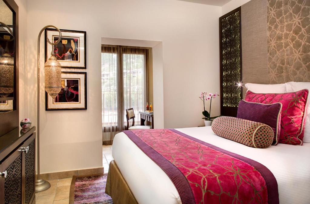tiara miramar beach hotel spa mandelieu la napoule reserva tu hotel con viamichelin. Black Bedroom Furniture Sets. Home Design Ideas