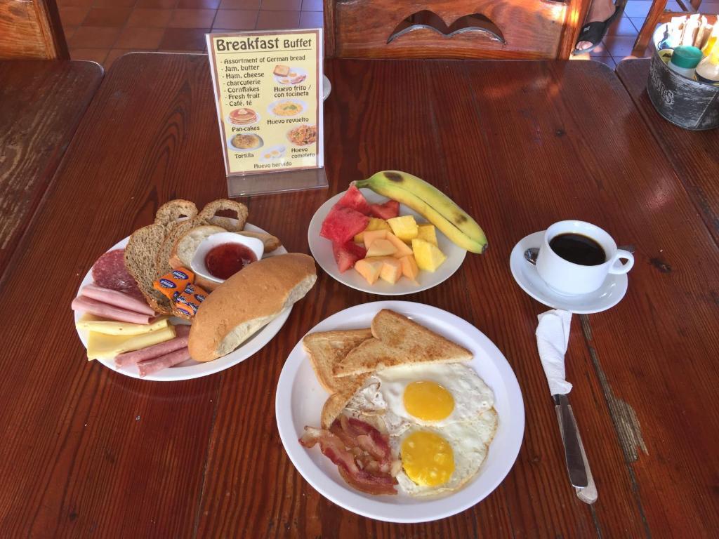 Opciones de desayuno para los huéspedes de Hotel Voramar