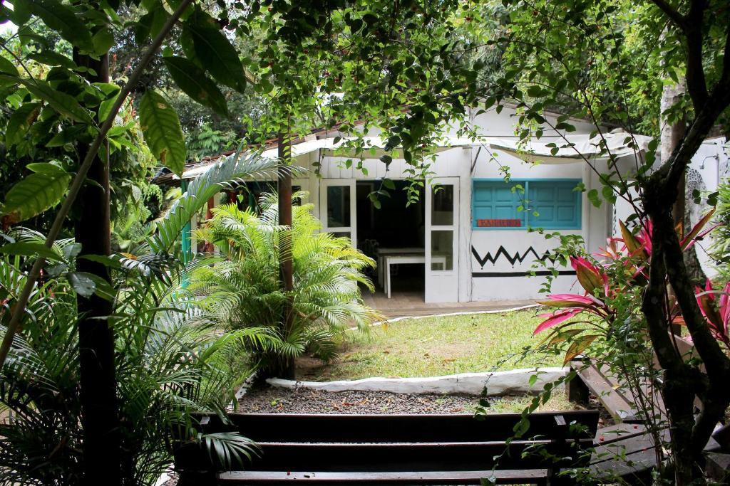 Porto de cima surf hostel valen a reserva tu hotel con for Muebles portugal valenca