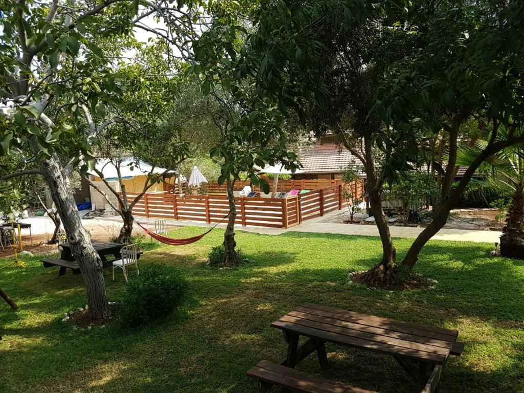 Un jardín fuera de Inbalim Ramim's Cliff