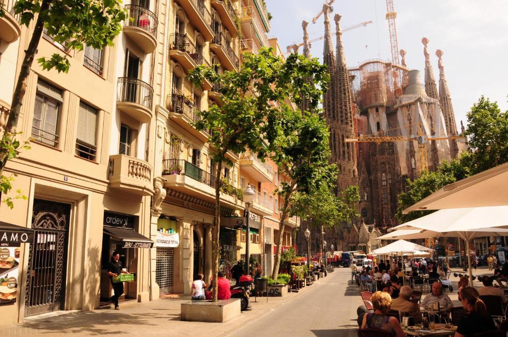 Gaudi sagrada familia barcellona prenotazione on line for Prenotare hotel barcellona