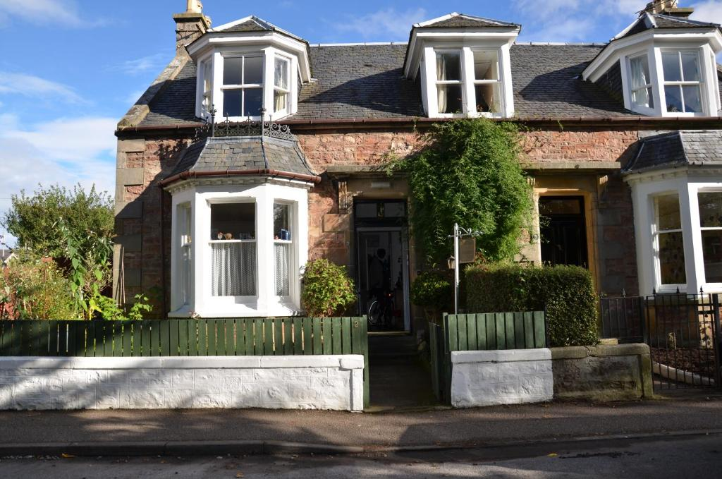 Bed and Breakfast AVERON HOUSE (Reino Unido Inverness ...