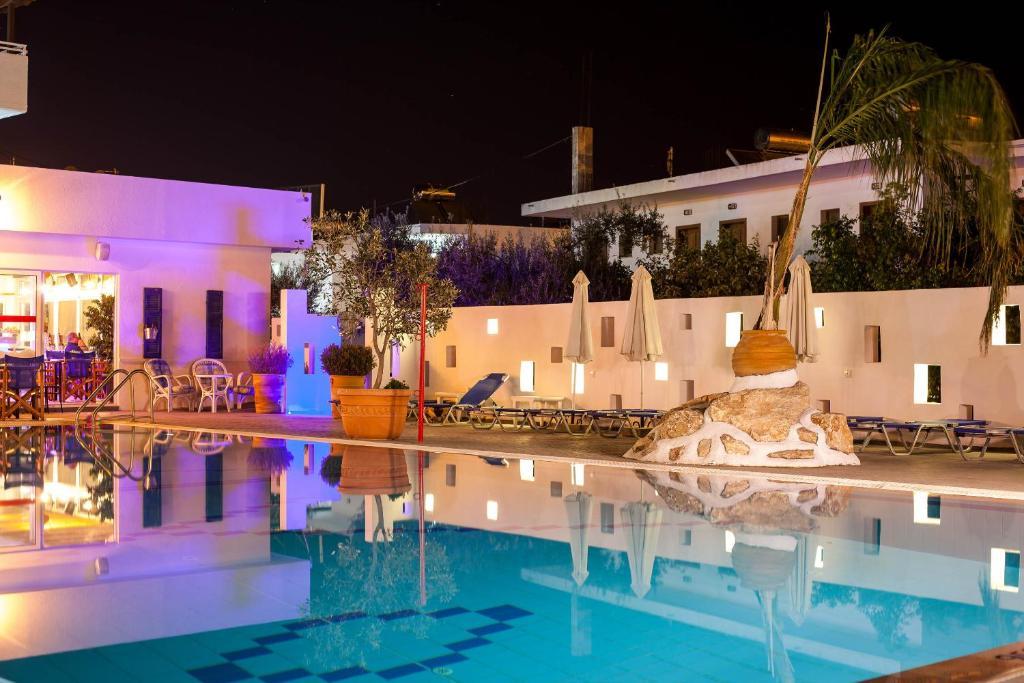 Apart hotel tinas plus ex tinas studios gr cia faliraki for Appart hotel plaisir