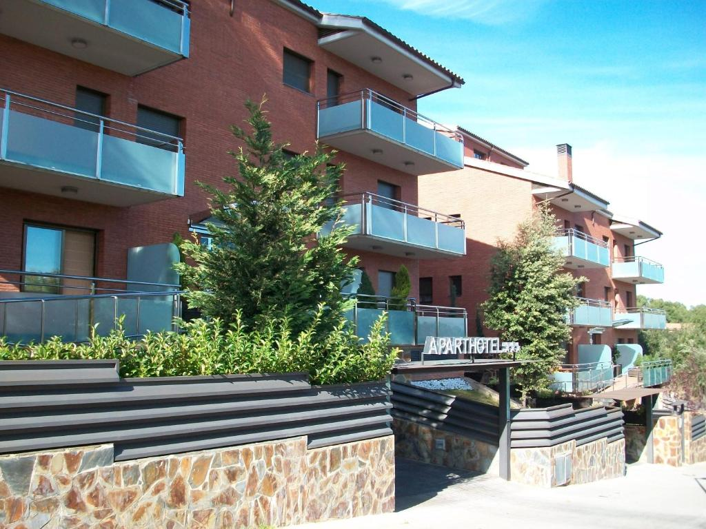Aparthotel del golf montcada informationen und - Mudanzas sant cugat del valles ...