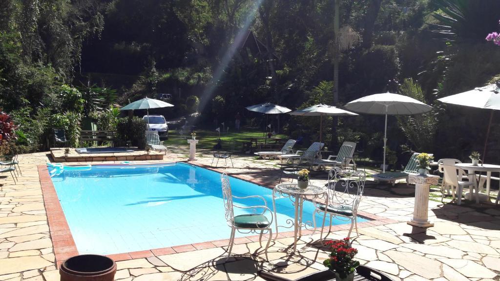 Pousada valle paradiso petr polis reserva tu hotel con for Piscina y candidiasis