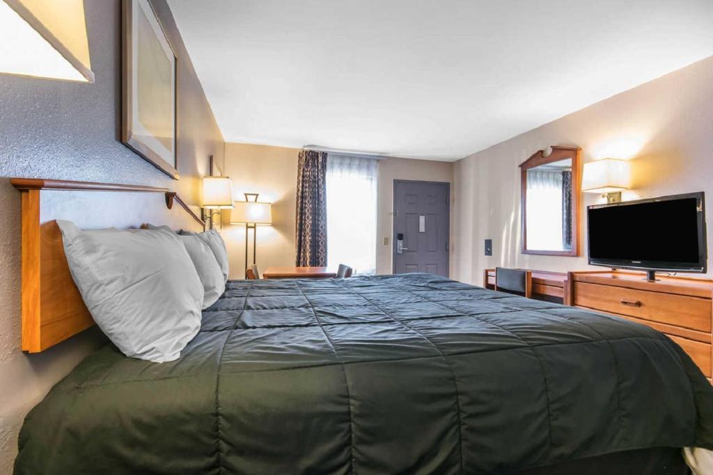 Rodeway Inn Louisville Louisville Informationen Und