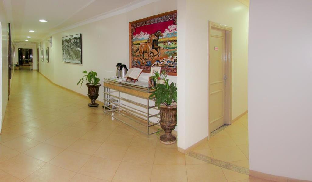 Dourados Center Hotel Reservar agora. Foto da galeria desta acomodação Foto  da galeria desta acomodação ... ed2e5848bed
