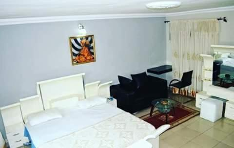 Abal Hall & Hotel