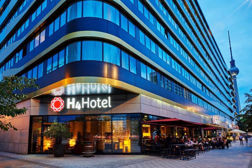 H4 hotel berlin alexanderplatz berlin book your hotel for 4 design hotel q berlin