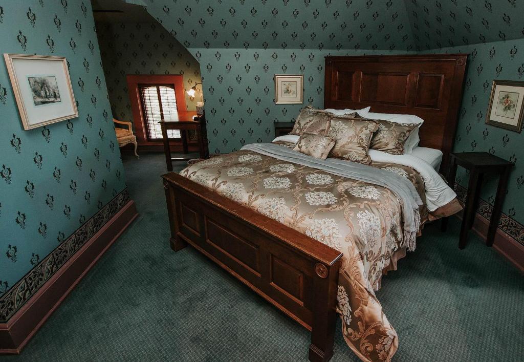 Inn At Pine Terrace Oconomowoc Book Your Hotel With Viamichelin