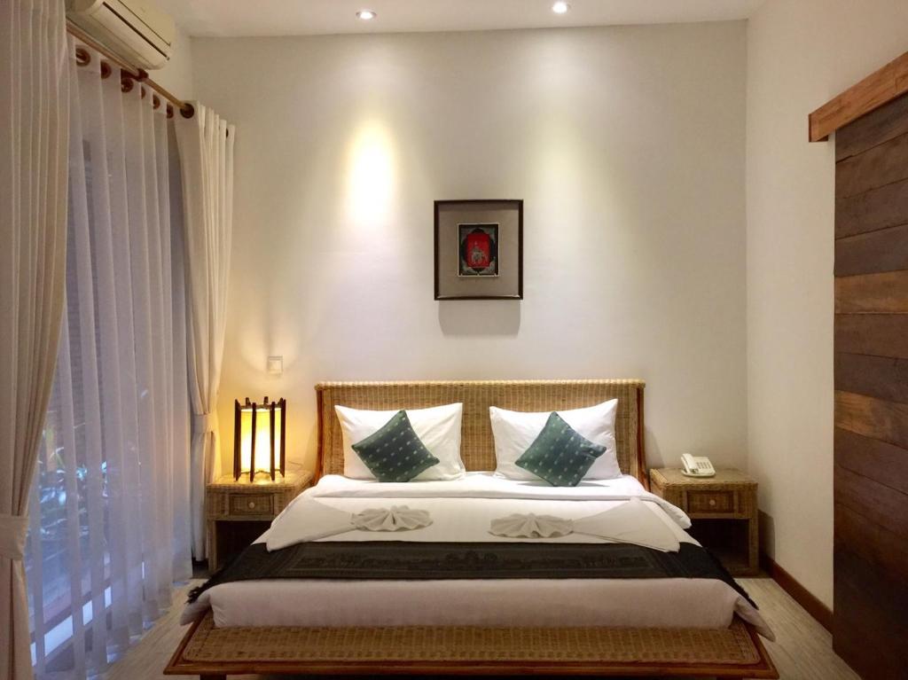 Secret villa phnom penh book your hotel with viamichelin for Secret hotel booking