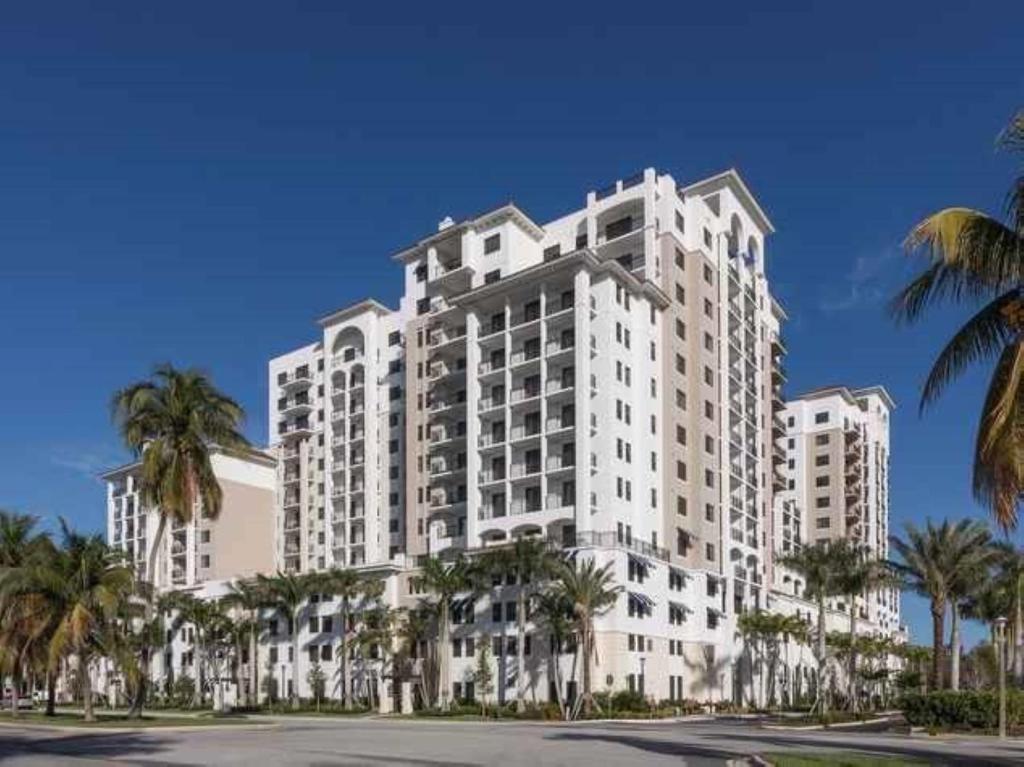 Global Luxury Suites in Boca Raton