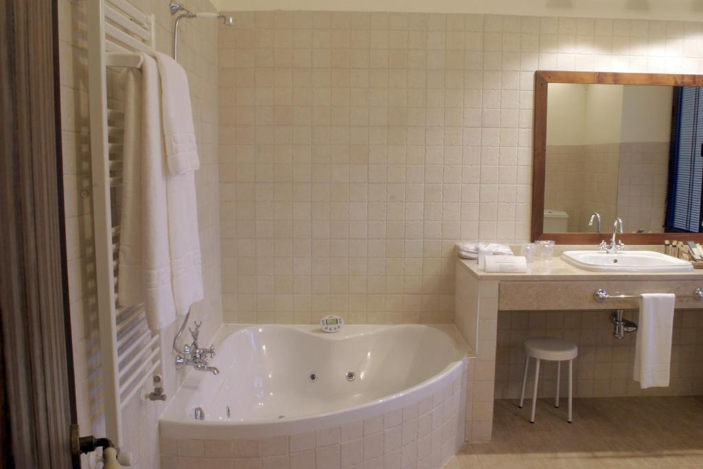 Baño Turco La Serena: Santa Cruz – Villanueva de la Serena- reserva tu hotel con ViaMichelin