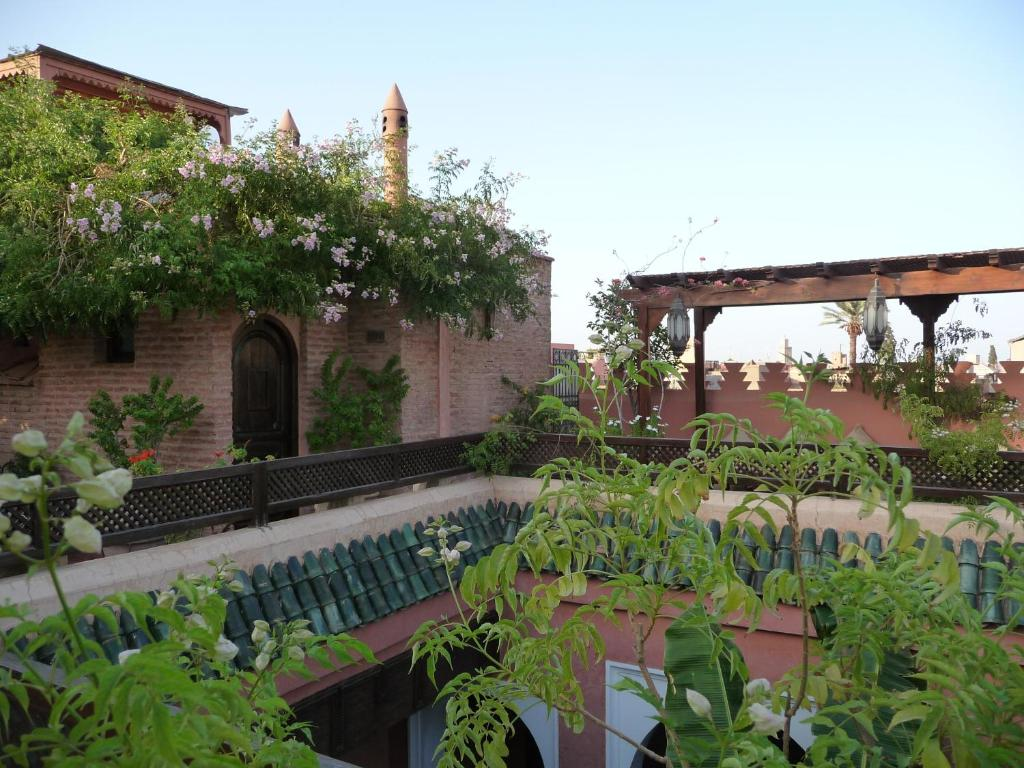Chambres d 39 h tes dar attajmil chambres d 39 h tes marrakech for Chambre d hotes marrakech