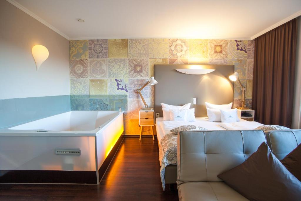 Retro design hotel dornum book your hotel with viamichelin for Hotel design book