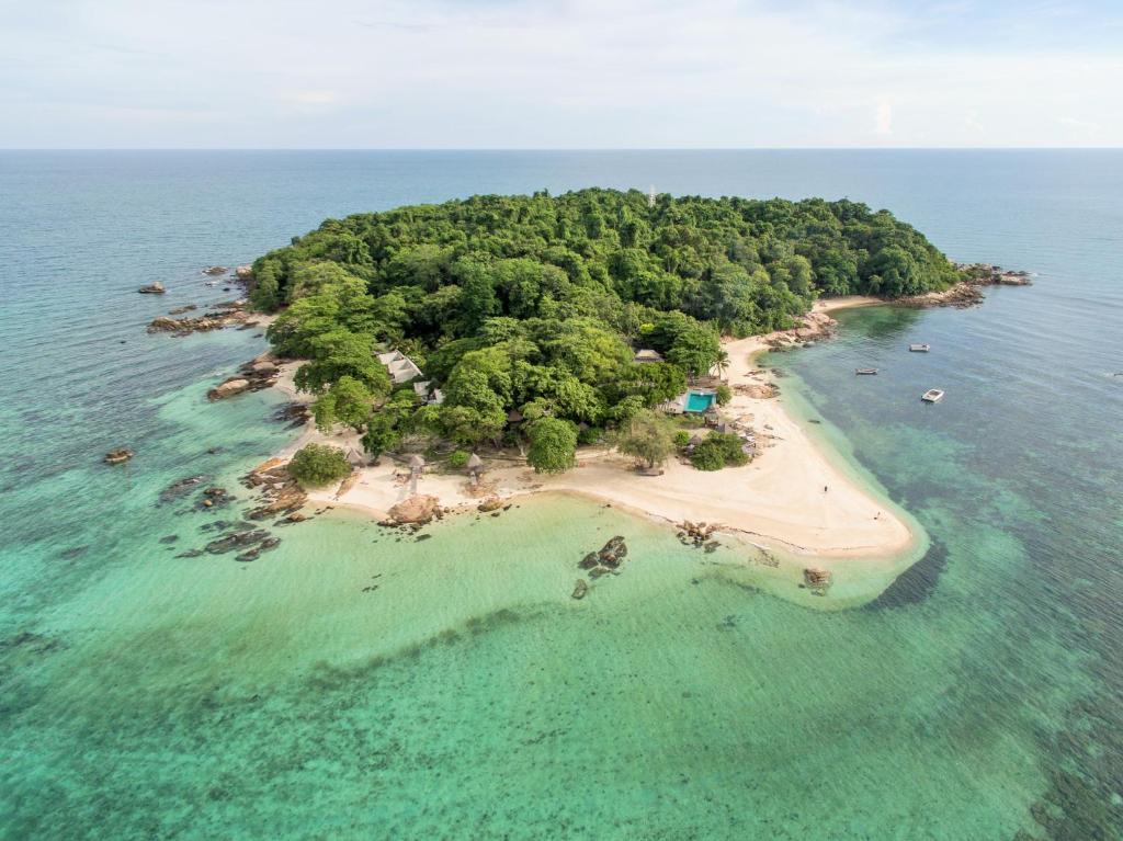 Mantakiri Island Resort Private Island