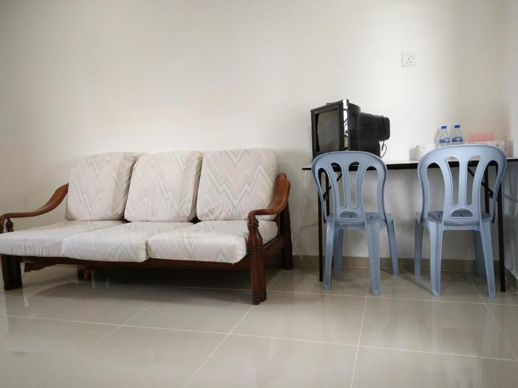 Harum manis country house kangar book your hotel with for Terrace 48 alor setar