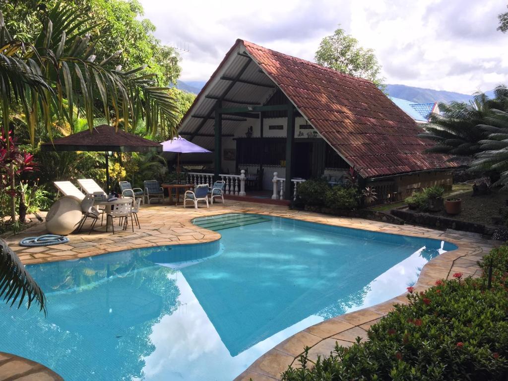 Casa de vacaciones casa campestre melgar colombia melgar for Apartamentos vacacionales con piscina