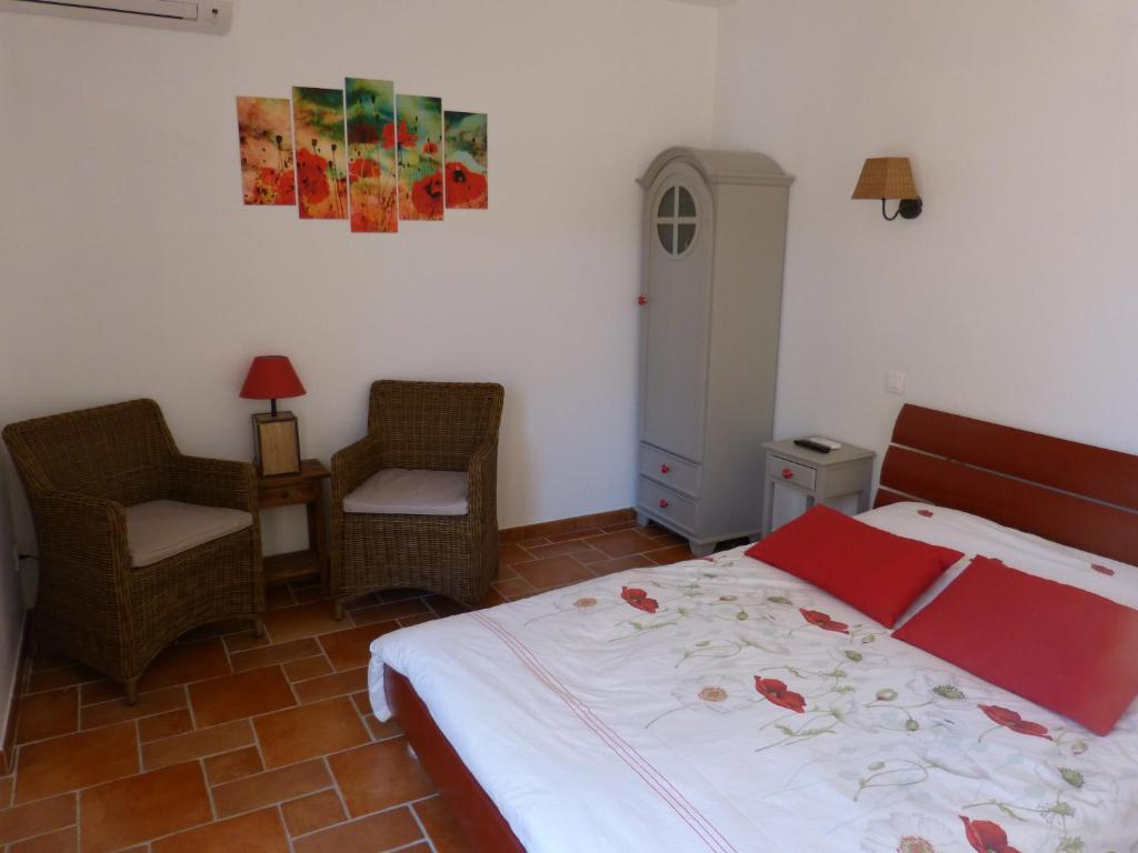 G te du pagoulin chambres d 39 h tes hy res book your for Chambre hote hyeres