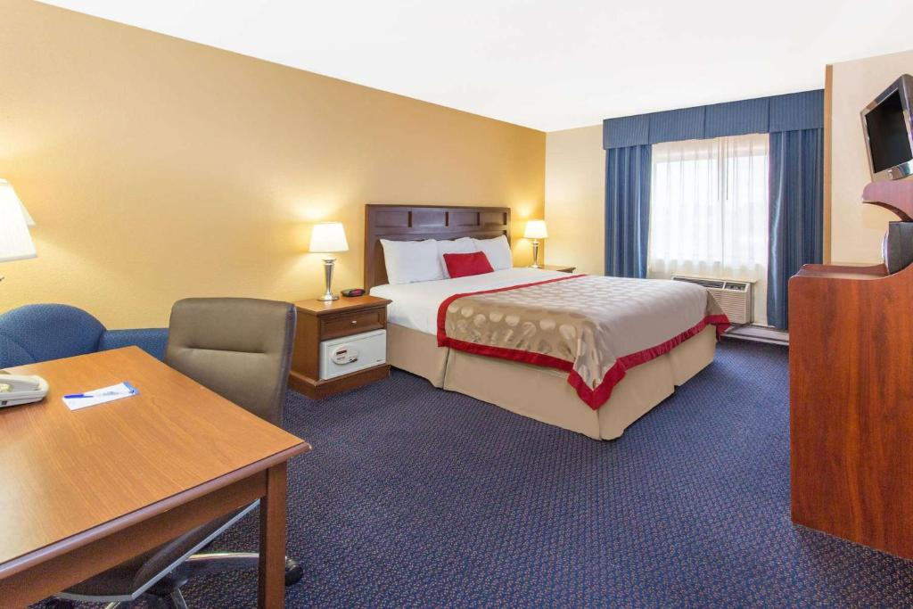 Plaza Hotel Milwaukee Extended Stay